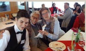 Pius_betreut_Seniorinnen
