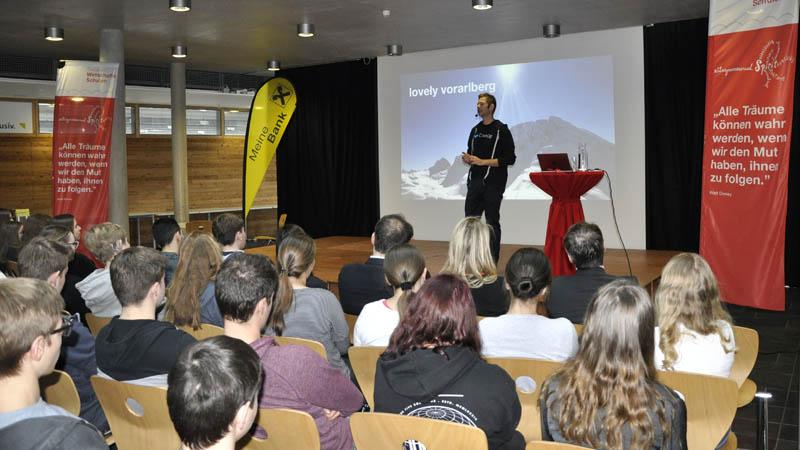 Entrepreneurship-Tag 2019 an der HAK Bezau mit Jodok Batlogg von crate.io