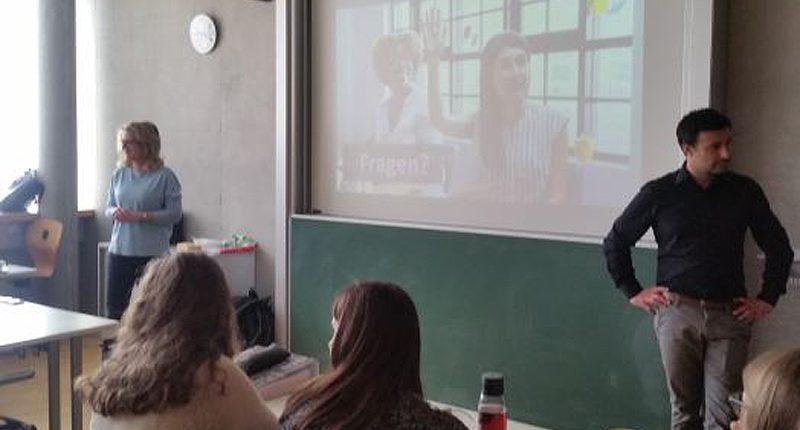 Vortrag mit Dr. Heike Böhler und Herrn Sonbay an der HAK Bezau