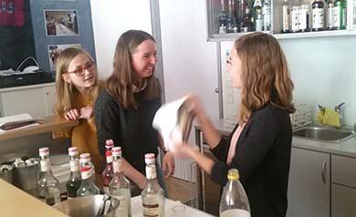 Tischmanieren - BB2 der HAK Bezau