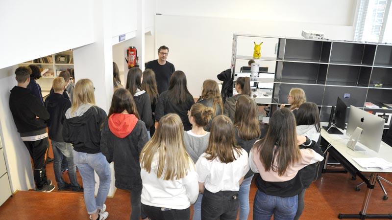Besuch der 2. HAK Bezau bei der Werbeagentur Baschnegger Ammann Partner