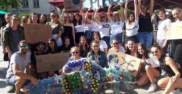 Die II. HLT Bezau baute für das Umweltprojekt eine PET WOMAN