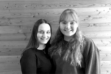 Lisa und Anika von der HLT Bezau