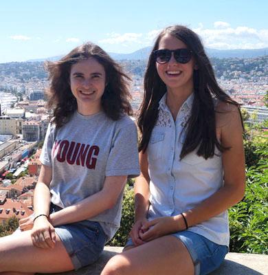 Anna und Melanie von der HAK Bezau