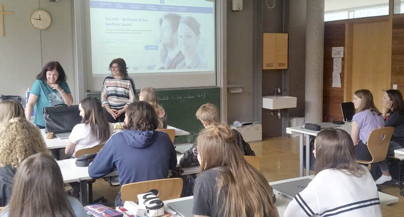 Vortrag BIZ Bregenz in der 2. HAK Bezau