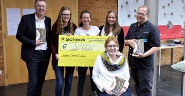 Schülerinnen der Bezauer Wirtschaftsschulen spenden Reinerlös des Abschlussprojektes