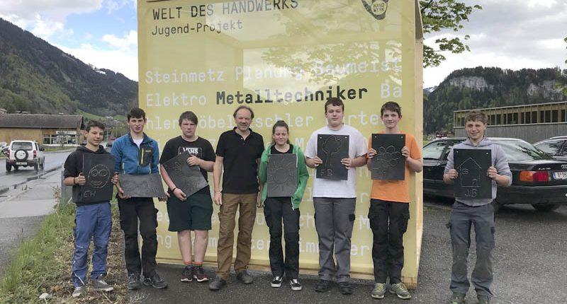 Die Werkraumschule Bezau begeistert die Jugend für die Welt des Handwerks.