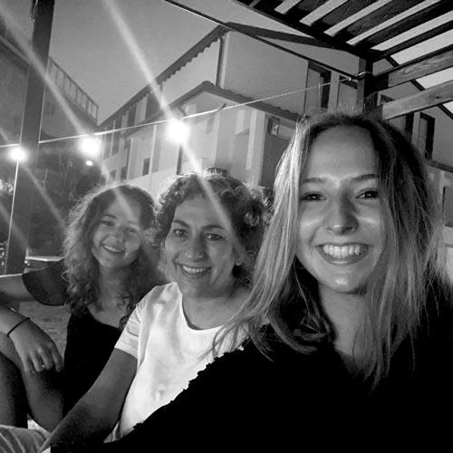 Hotelteam von Raphaela Robosch Praktikantin der Tourismusschule Bezau auf Capraia