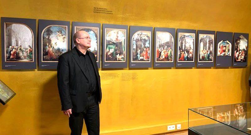 Im Palais Lichtenstein erzählte Hans Gruber der HAK Bezau über den Annenaltar.